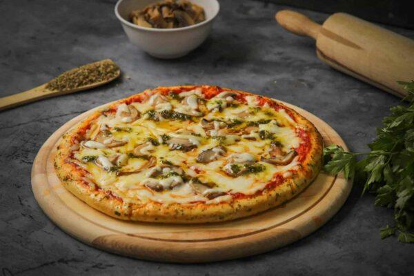 بيتزا الفطر بالبيستو